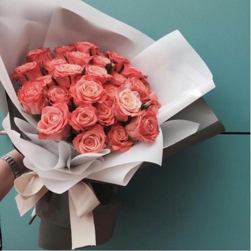 Купить на заказ Букет из 31 розовой розы с доставкой в Аягозе