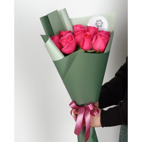 Купить на заказ Букет из 7 розовых роз с доставкой в Аягозе