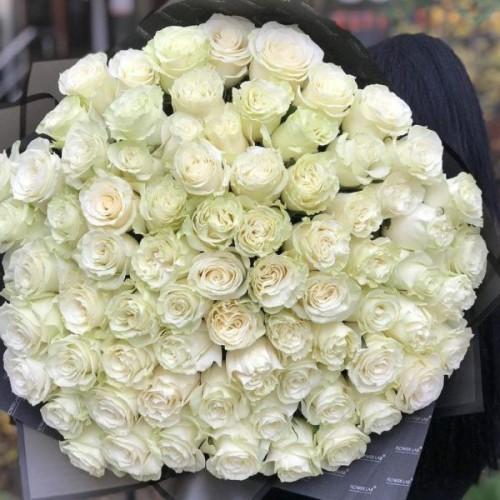 Купить на заказ Букет из 75 белых роз с доставкой в Аягозе