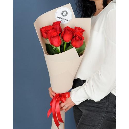 Купить на заказ Букет из 7 роз с доставкой в Аягозе