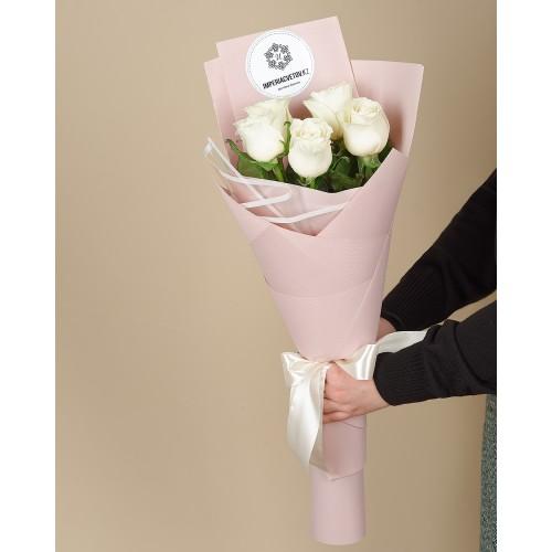 Купить на заказ Букет из 5 роз с доставкой в Аягозе