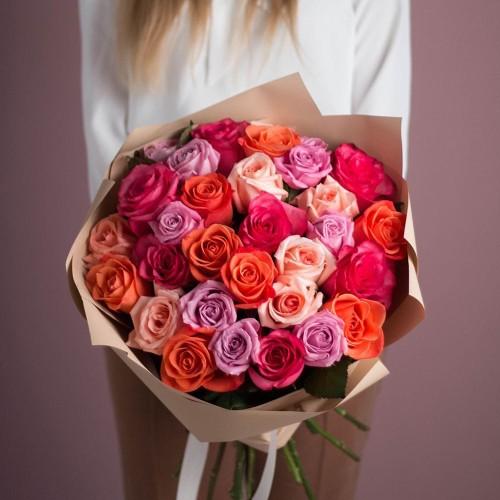 Купить на заказ Букет из 25 роз (микс) с доставкой в Аягозе