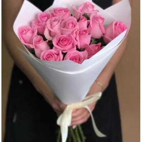 Купить на заказ 15 розовых роз с доставкой в Аягозе
