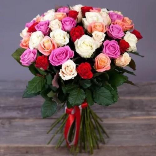 Купить на заказ Букет из 31 розы (микс) с доставкой в Аягозе